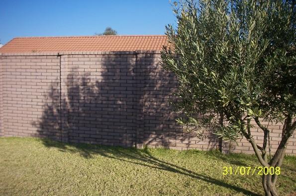 Brickcrete plum precast concrete wall