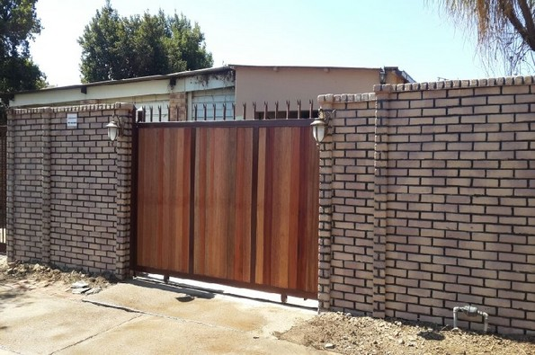Brickcrete multi precast concrete wall with caprail(2)