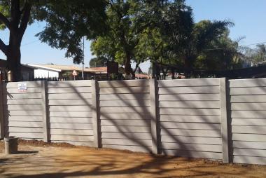 Louver precast concrete walls