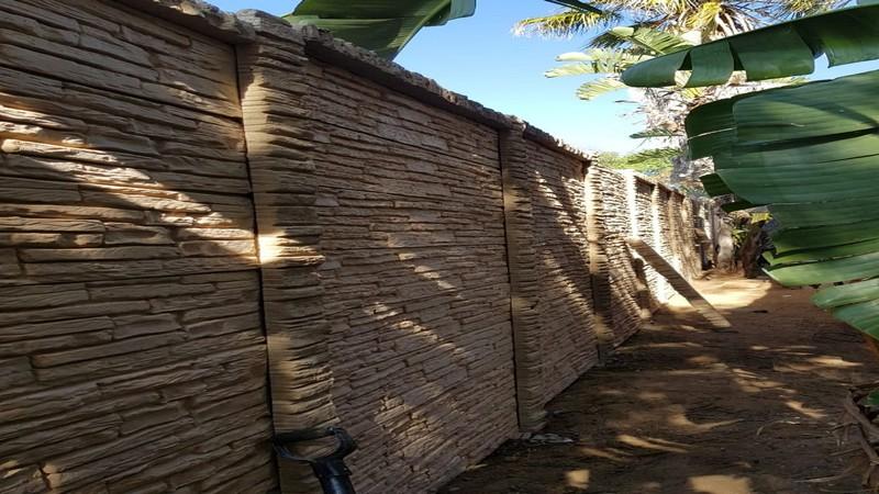 Stonefence precast concrete wall 8-358